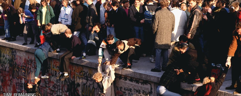 1989 The Fall of the Berlin Wall.jpg